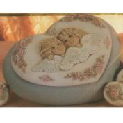 D1269-Victorian Angels Heart Box 24cm