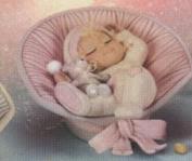 D1285B -Bedtime Bonnet Baby in D1281 Basket 18cmLong