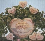 D1300-Victorian Angels Heart Vase 21cm