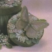 D518B -Flower & Butterfly D521 Wicker Basket Box 10cm Wide