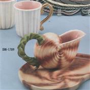 DM1789 -Seashell Creamer 18cm